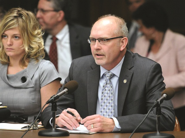 McKenzie Spalding of Choice Auto Rental sits to the left of Sen. Roger Chamberlain (R-Minn.) during the Senate Commerce Committee hearing regarding Minnesota's anti-steering bill. Spalding's work at a state level speaks to the opportunities open to ACRA's newly created State Director positions.