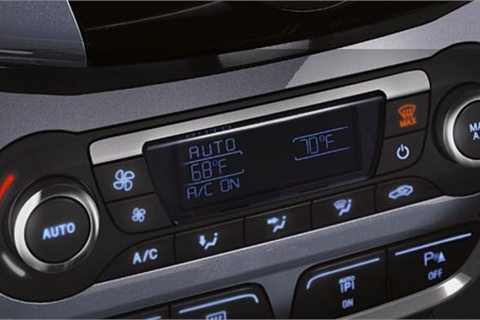 "Photo courtesy of Ford Motor Co. The ""auto"" function in the 2012 Ford Focus SEL 5-door"