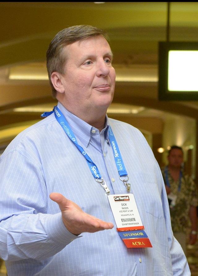 Dick Radzis talks to investors at the 2014 Car Rental Show.