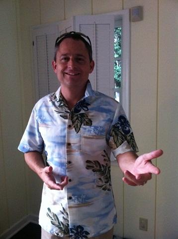 Meet Chris Brown, executive editor of Auto Rental News, at the Tiki Bar on Monday night. Be sure to wear your Hawaiian shirt!
