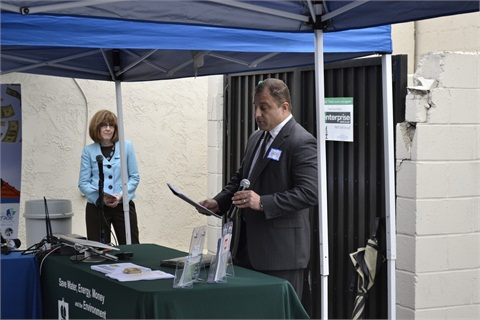 (From left to right) Ellen Perkins, councilmember, Palos Verdes Estates, and Greg Tabak, director of EV programs for Southern California, Enterprise Holdings.