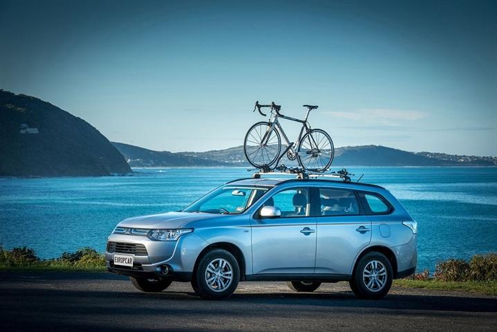 Europe Car: Europcar Sponsors Luncheon For Tour De France