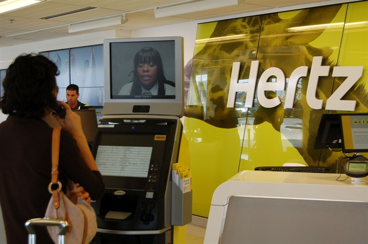 hertz provides 24 7 service kiosks to ny community rental operations auto rental news. Black Bedroom Furniture Sets. Home Design Ideas