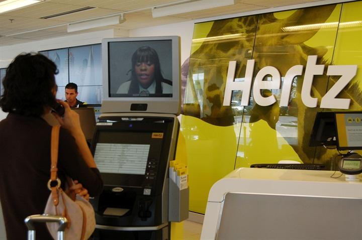 hertz provides 24 7 service kiosks to ny community rental operations auto rental news. Black Bedroom Furniture Sets. Home Design Ideas