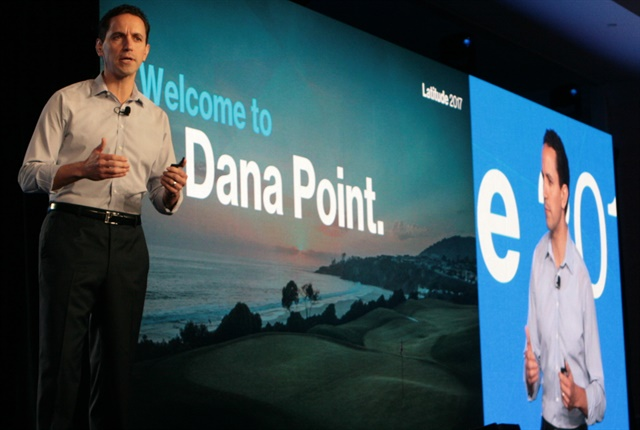 Andrés Irlando, Verizon Telematics CEO, speaks at the 2017 Latitude conference. Photo courtesy of Verizon.