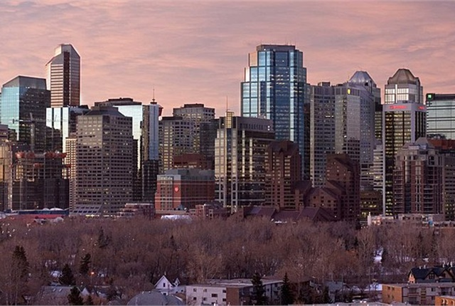 Downtown Calgary, Alberta. Photo via Cszmurlo/Wikimedia