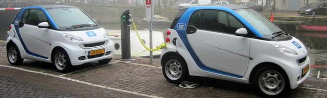 car2go's electric smart fortwo vehicles. Photo via Wikimedia.