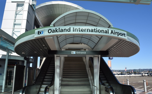 The carsharing service will have designated parking spots at Oakland International Airport's Park 'N Fly lot. Photo via Wikimedia/Raysonho
