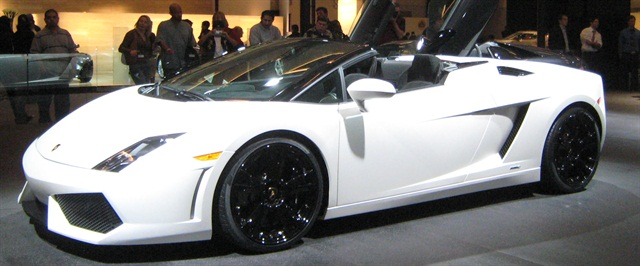 The Lamborghini Gallardo is one of the luxury vehicles offered in Luxury Line Auto Rental's fleet. Photo via Wikimedia.