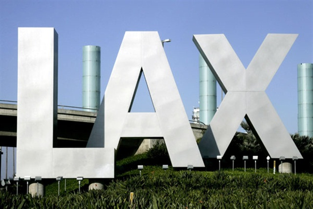 The L.A. City Council approved a policy to allow ride-sharing companies like Uber and Lyft to pick up customers at Los Angeles International Airport (LAX). Photo via Wikimedia.