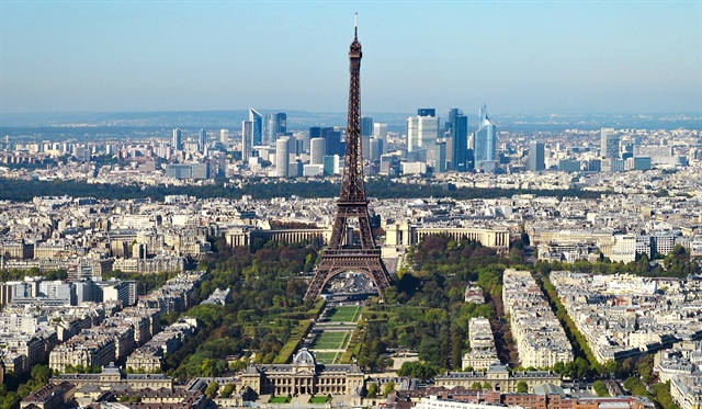 Paris was found to be the most popular car rental pickup city for U.S. travelers, according to an Auto Europe study. Photo via Wikimedia.