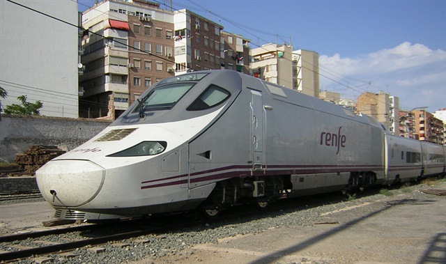 CarTrawler has partnered with Renfe, the national rail provider of Spain. Photo via Wikimedia.